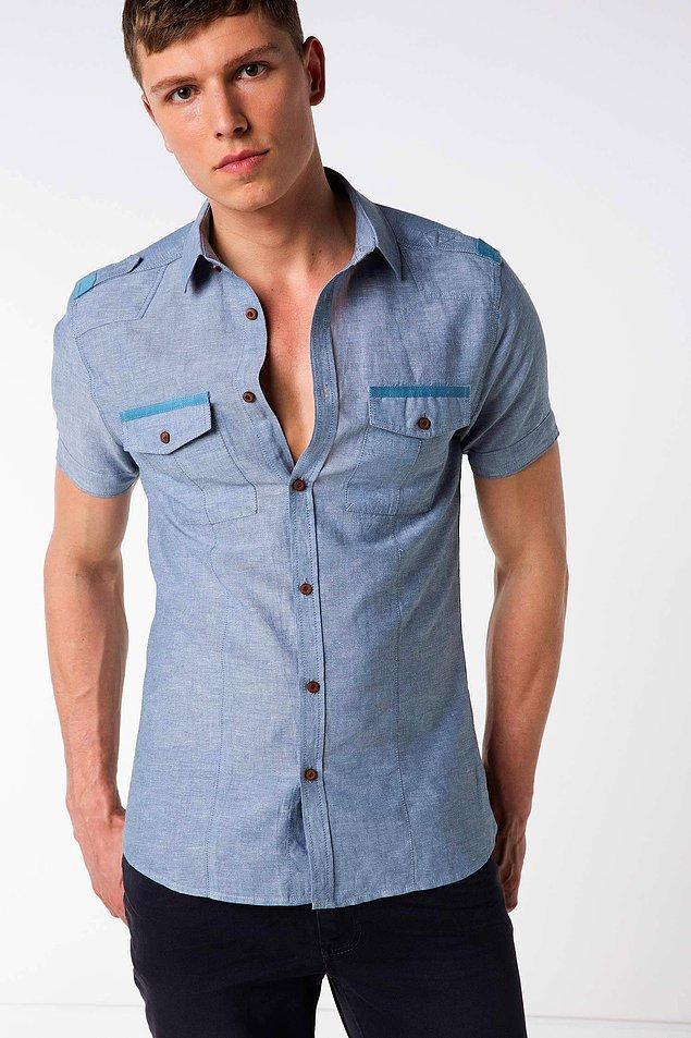 2. Petrol rengi apolet detaylı bu gömleğin mercan rengi de var.