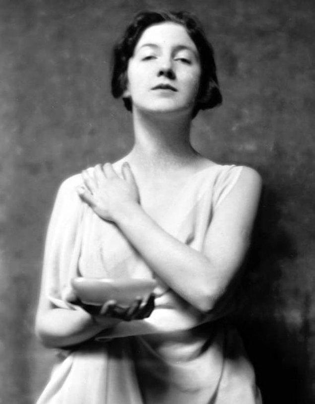 Çoğumuz fark etmesek de, aslında bu heykellerin çoğuna ilham veren tek bir kişi olmuştur. Tek bir model, tek bir isim: Audrey Munson.