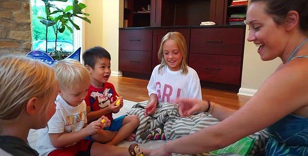 Huxley dışında dört çocuğu daha olan Stauffer çifti, 2014 yılında girdikleri YouTube dünyasında Huxley hakkında çektikleri videolar sayesinde abone sayılarında hızlı bir ivme ile yükselişe geçtiler.