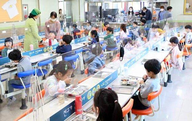 Güney Kore'de koronavirüs vaka sayısı arttı, 200'den fazla okul kapatıldı