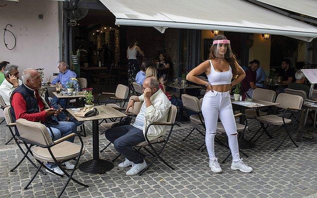 Turizm gelirleri Yunan ekonomisinin yaklaşık yüzde 20'sini oluşturuyor.