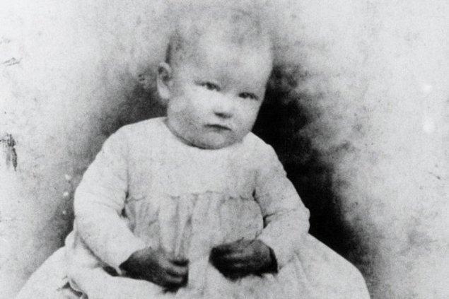 KFC'nin kurucusu ve gizli formülün mucidi Colonel Harland David Sanders, 9 Eylül 1890'da Indiana'da dünyaya geliyor.