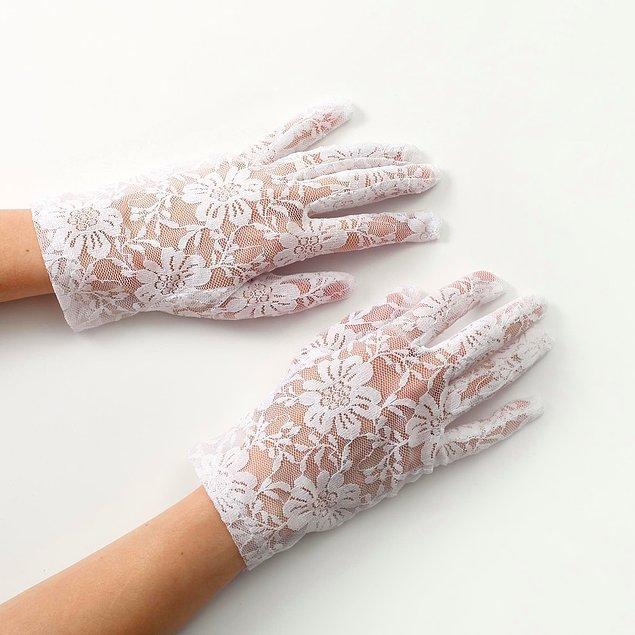 9. İmzaları atarken eldivenin şıklığı fotoğraflarınıza yansısın...