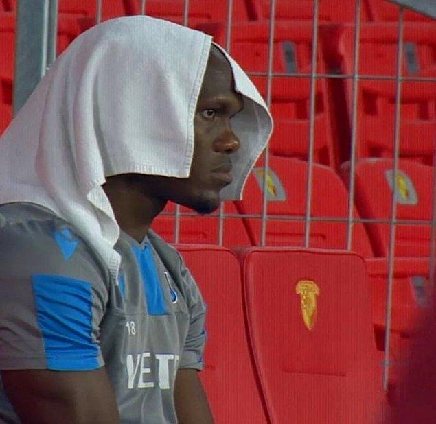 35. dakikada Anthony Nwakaeme, sakatlığından dolayı oyuna devam edemedi.