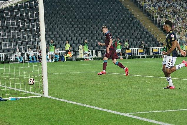 83. dakiakda Sörloth, Trabzonspor'u 2-1 öne geçirdi.