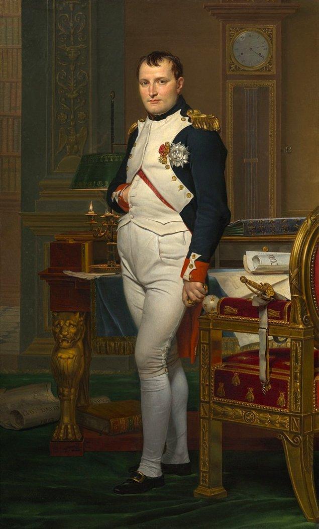 3. Napolyon tavşanların saldırısına uğradı.