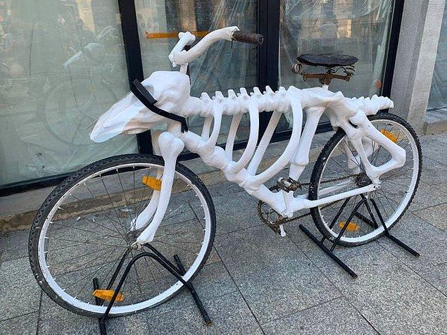 8. İskelet şeklinde olan bisiklet: