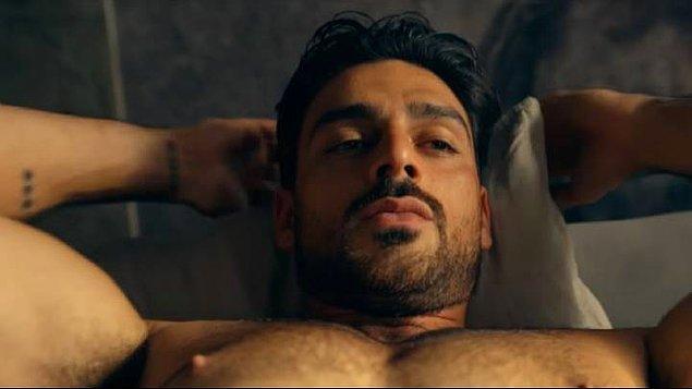 """10. """"Sabah ilk uyandığında yataktan kalkıp esneyen, gerinen erkekleri çok çekici buluyorum."""""""