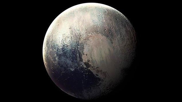 Çok sevdiğiniz Plüton'a bir daha dönüp bakın isterseniz!