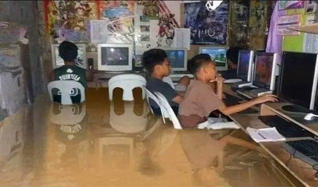 10. Filipinler'de 2012'de yaşanan selin ardından çekilmiş olduğu iddia edilen bu fotoğraf gerçek değil. Gölgelerin denk gelmediği açıkça görülebiliyor.