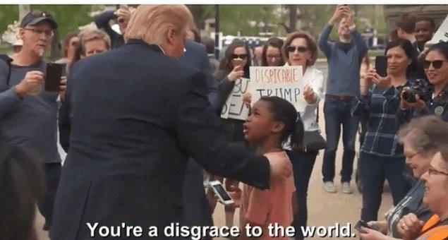 14. Küçük kızın Trump'a yüz karası olduğunu söylediği bu an, aslında Trump kılığına girmiş bir komedyenin videosundan.