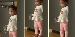 Buzdolabından Atıştırmalık Aşırırken Yakalanan Ufaklığın Uyuma Numarası Yaptığı Anlar