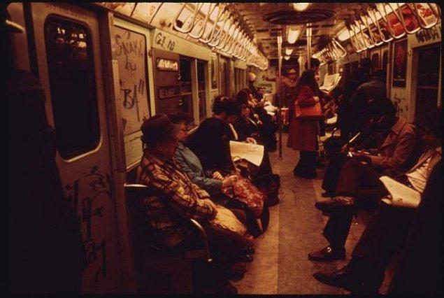8. 1970'lerde New York metrosu dünyanın en tehlikeli metrosuydu. Her hafta 250 kişi metroda ölüyordu.