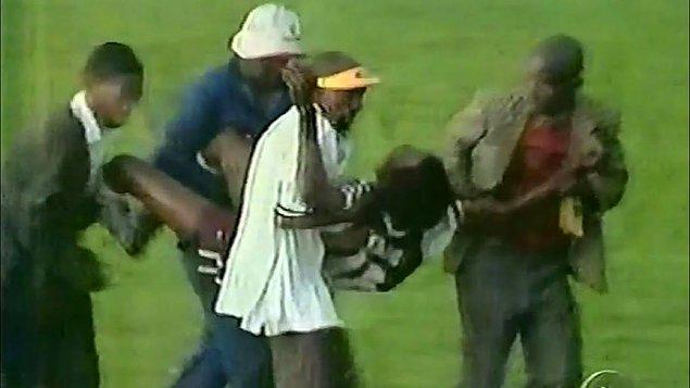 12. 1990 yılında Kongo'da bir futbol maçı sırasında sahaya düşen yıldırım bir takımın 11 oyuncusunu öldürürken, diğer takım yara bile almamıştı.