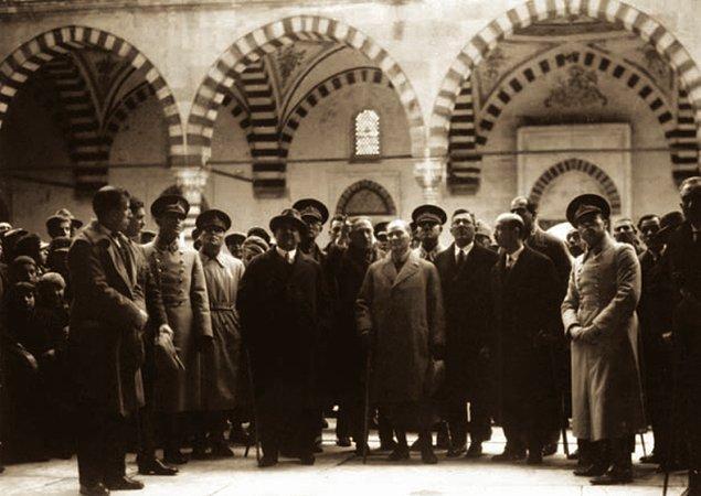 Yani anlayacağımız üzere 1931'den sonra Atatürk, dini bayram tebriği almayı tercih etmez.
