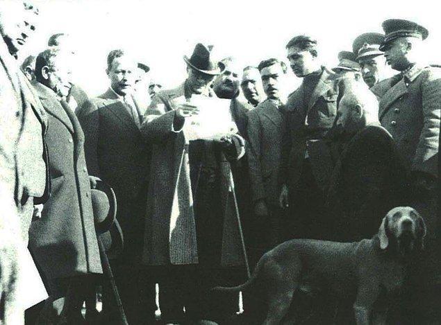 """Atatürk'ün bir yenilik yapmadan önce """"etrafını yokladığı"""" ve işin ehilleriyle konuyu mütalaa ettiği hepimizin malumudur."""
