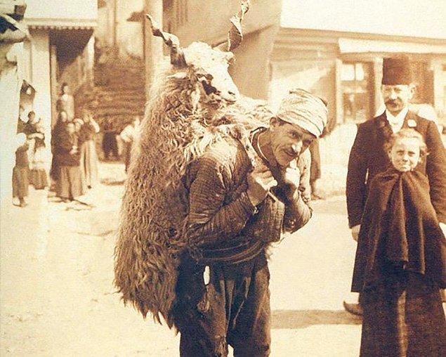 Bunun üzerine Atatürk böyle bir yol tutmaktaki sakıncanın ne olduğunu sorar.