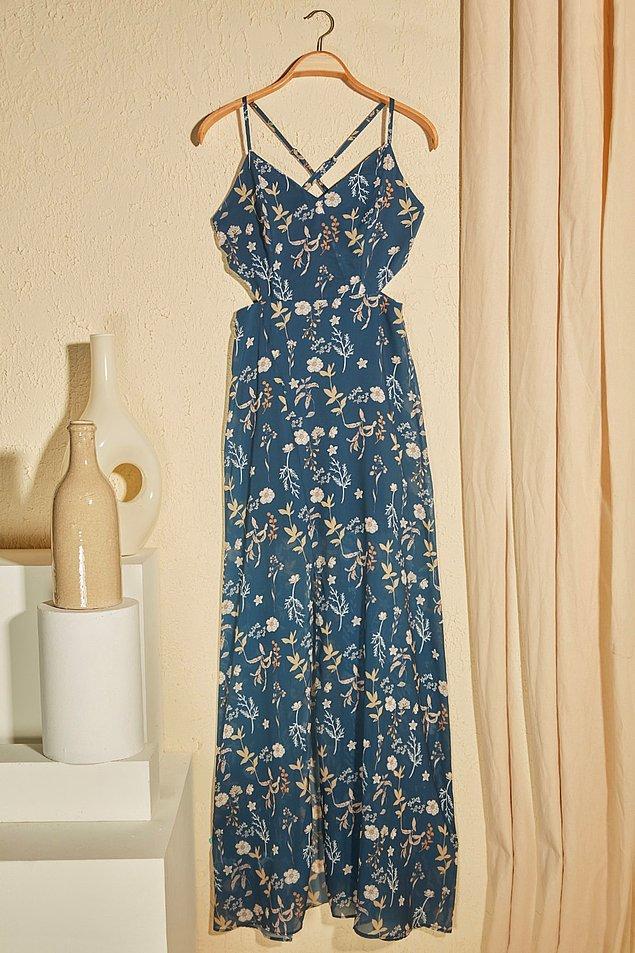 15. Çiçekli elbise sevenlere de önerim bu bel dekolteli zarif maxi elbise.