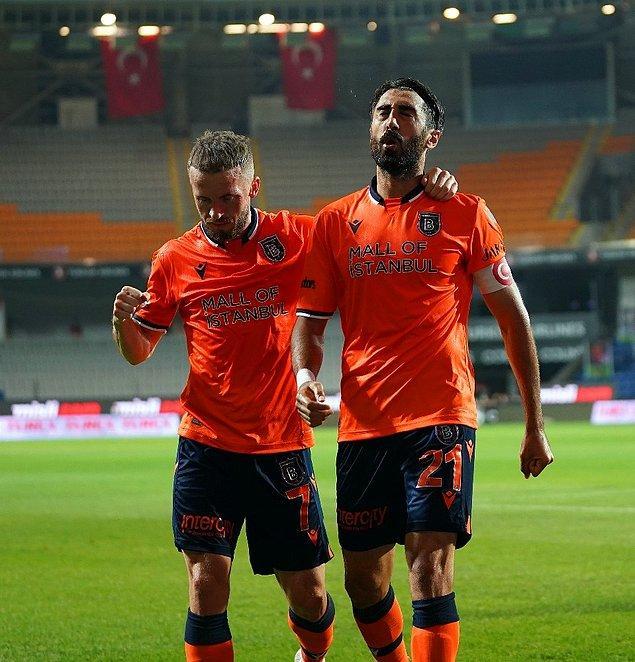 Kayserispor'u 1-0 mağlup eden Başakşehir, ligde bitime 1 hafta kala tarihinde ilk kez şampiyonluğunu ilan etti.