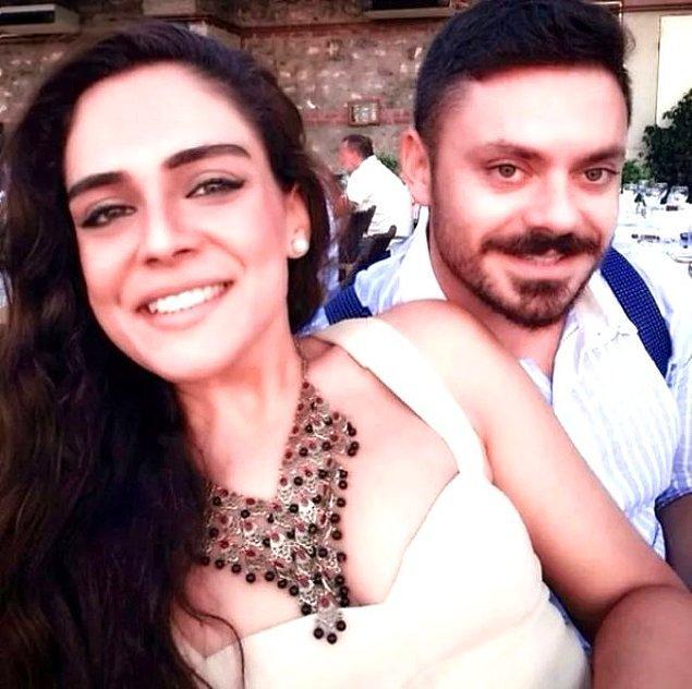Bu arada Buket Aydın'ın 7 yıllık eşi Erce Baykal'dan da boşanması insanların kafasını karıştırdı. Hem işinden hem eşinden aynı anda vazgeçen Buket Aydın cephesinde neler oluyordu?