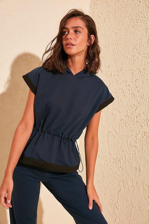 18. Bu yazlık sweatshirt sizi yaz yağmurlarından ve kavurucu güneşten koruyabilir.