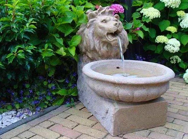 11. Her evin temel ihtiyaçlarından olan bu güzel süs havuzu %15 indirimle sadece 3.500 TL'ye sizin olabilir.