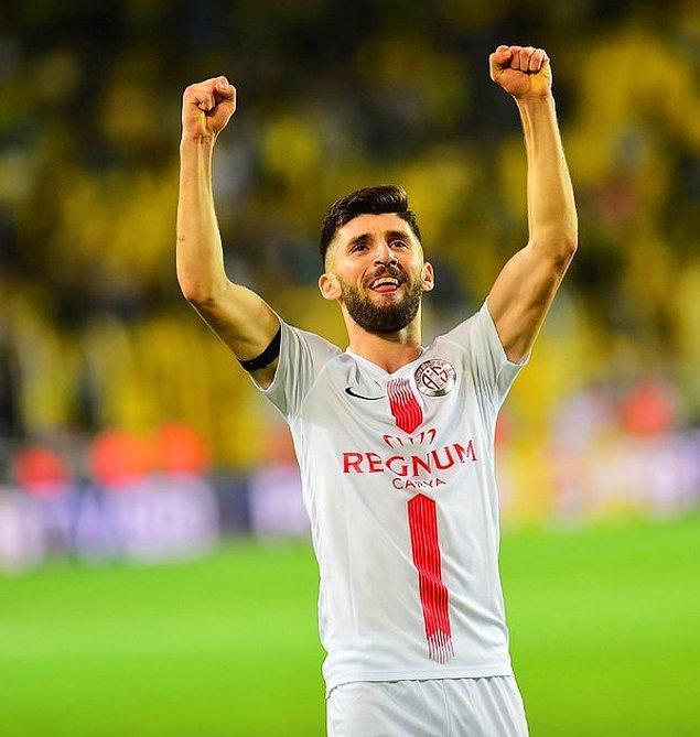 12. Doğukan Sinik➡️ Fenerbahçe