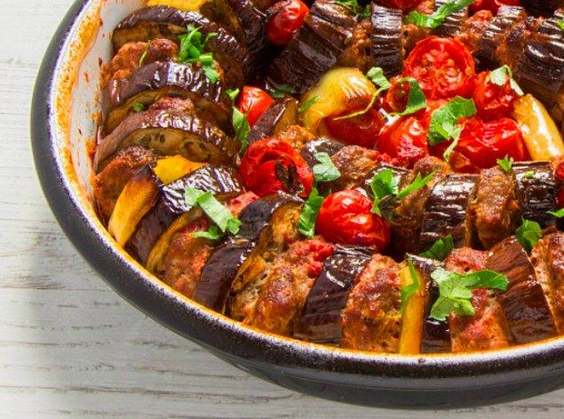 3. Rengarenk: Patlıcanlı Köfte