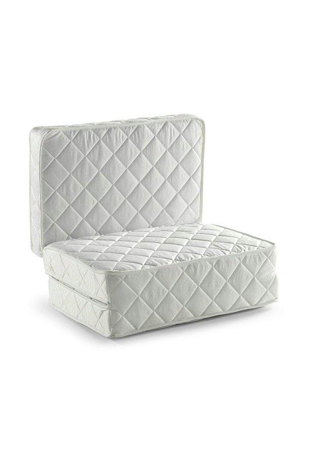 3. Karyolanızın içine koyacağınız yatak bile katlanabilir, hatta bu yatağı isterseniz koltuk olarak da kullanabilirsiniz.