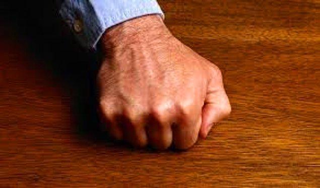 24. Nazarı engellemek ya da kötü bir söz söyledikten sonra gerçekleşmesin diye üç kez tahtaya vurulur.
