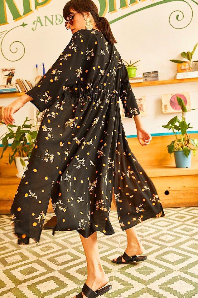 8. Elbise gibi giyip rahat edebileceğiniz harika bir kimono.