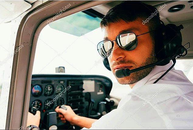 8. Dünyanın en havalı mesleğini yaptıkları için gökyüzünde yalnız gezen pilotlar
