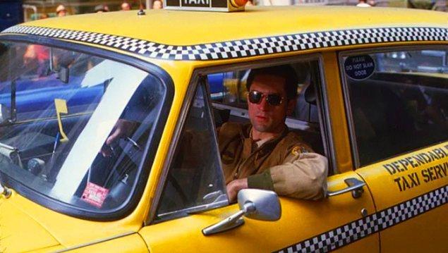 13. Paul Schrader, Taxi Driver (Taksi Şoförü) filminin senaryosunu tam 5 günde yazmıştı. Paul Schrader'in, ilham ve motivasyon için masasının çekmecesinde dolu bir silah taşıdığı söyleniyor.