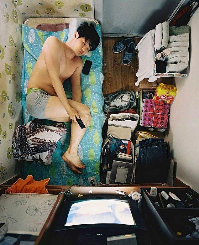 """""""Odalar oldukça küçük. Sadece uyumak ve ders çalışmak için ideal."""""""
