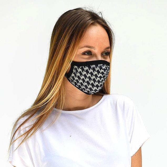 Bu maskeler, 2 kat kumaş ve 1 kat filtre kumaşının birleşiminden oluşan, 3 katlı bir maske olduğu için %99,5 koruma sağlıyor.