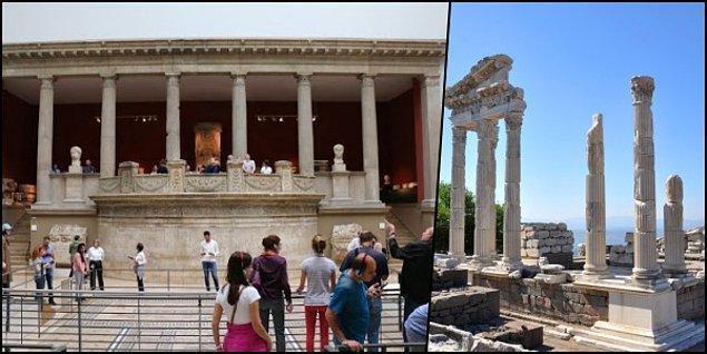 4. Eh az önce okuduğunuz gibi Almanlar kendilerine boş yere bir Bergama müzesi açmamışlar, buyurun bu da Milet'ten Traianus Tapınağı'nın ön cephesi...