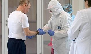 Putin, İlk Koronavirüs Aşısının Rusya'da Geliştirildiğini ve Kızının Aşıyı Yaptıranlardan Biri Olduğunu Açıkladı
