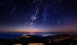 Gözünü Gökyüzünden Ayırmayın: Yılın En Görkemli Meteor Yağmuru 'Perseid' Dün Gece Başladı 💫