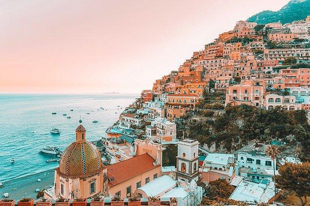 13. İtalya