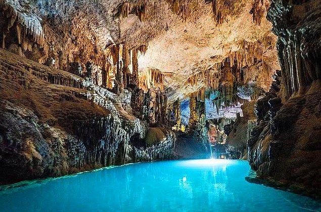2. Jeita Grotto, Lübnan
