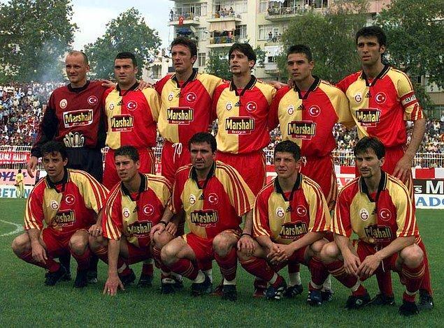 Emre, Galatasaray'ın 1996-2000 yılları arasında üst üste elde ettiği 4 şampiyonlukla tarihe geçti.