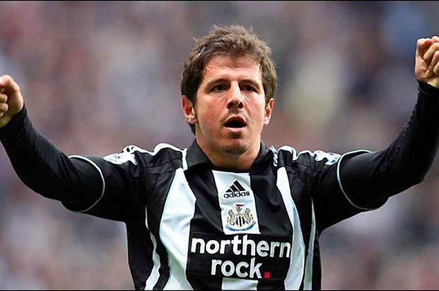 Emre Belözoğlu, 4 yıl süren İtalya macerasının ardından kariyerinde yeni bir sayfa açtı.  İngiltere'nin Newcastle United takımına transfer olan Emre, adada 3 sezon forma giydi.