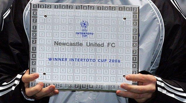 Emre, siyah-beyazlı ekiple 2006 yılında UEFA Intertoto kupasını kazandı.