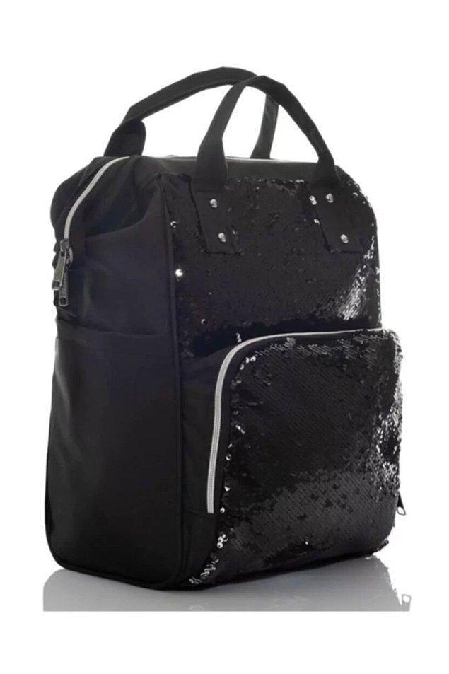 17. Bu parlak ve su geçirmez bebek çantası da indirimde en çok satanlar arasında!