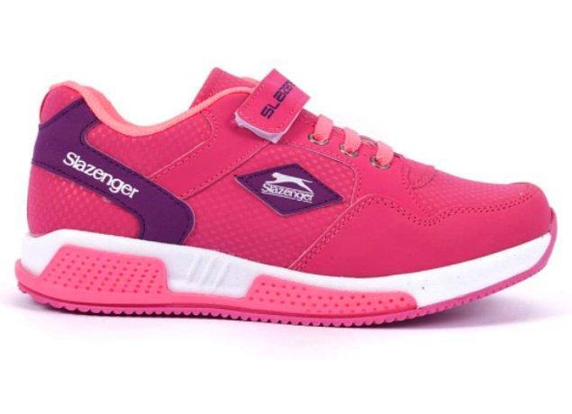 5. Bu fuşya spor ayakkabısına çocuğunuz bayılacak!