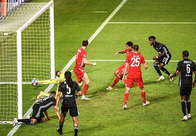 33.dakikada yine sahneye çıkan Gnabry, Bayern Münih'i 2-0 öne geçirdi.