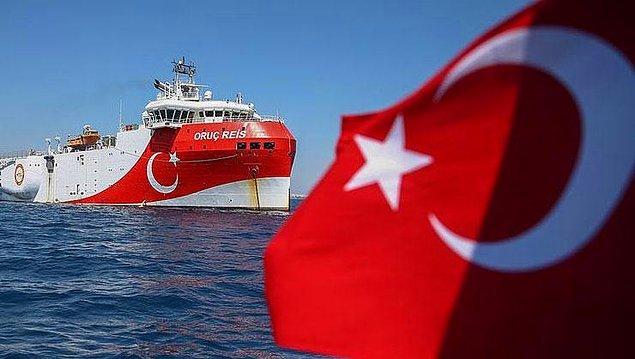 Türkiye'nin kara ve deniz alanlarının hidrokarbon potansiyeli tespit edilerek ekonomiye kazandırılmak isteniyor.