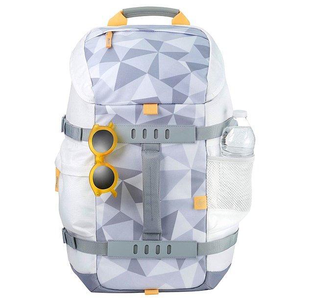 7. İç ve dış kısmında sağlam dolguyla, dizüstü bilgisayarınız ve tabletiniz için özel koruma sağlayan harika bir çanta!