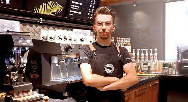 2. Kahve diyip geçmemek çok önemli. Bilgili ve maharetli ellerden içilen kahvenin tadı diğerlerinden çok daha başka oluyor.