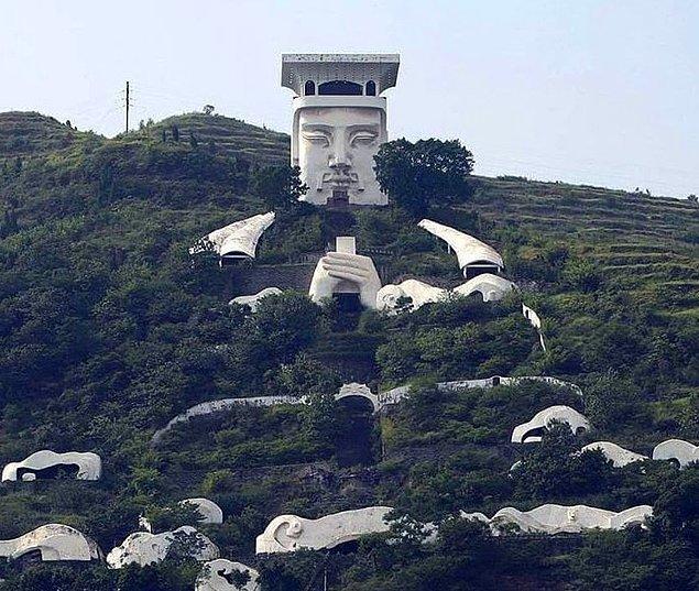 7. En ince ayrıntısına kadar düşünülerek yapılan bu tapınak: